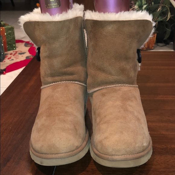 07f5a73e403 Ugg #5803 Australia Womens Bailey Button Boots